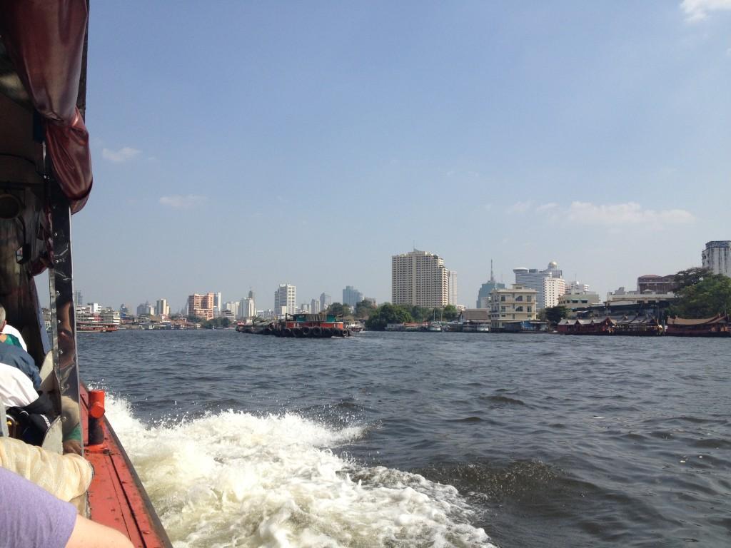 Na lodi v Bangkoku směr Hua Lamphong