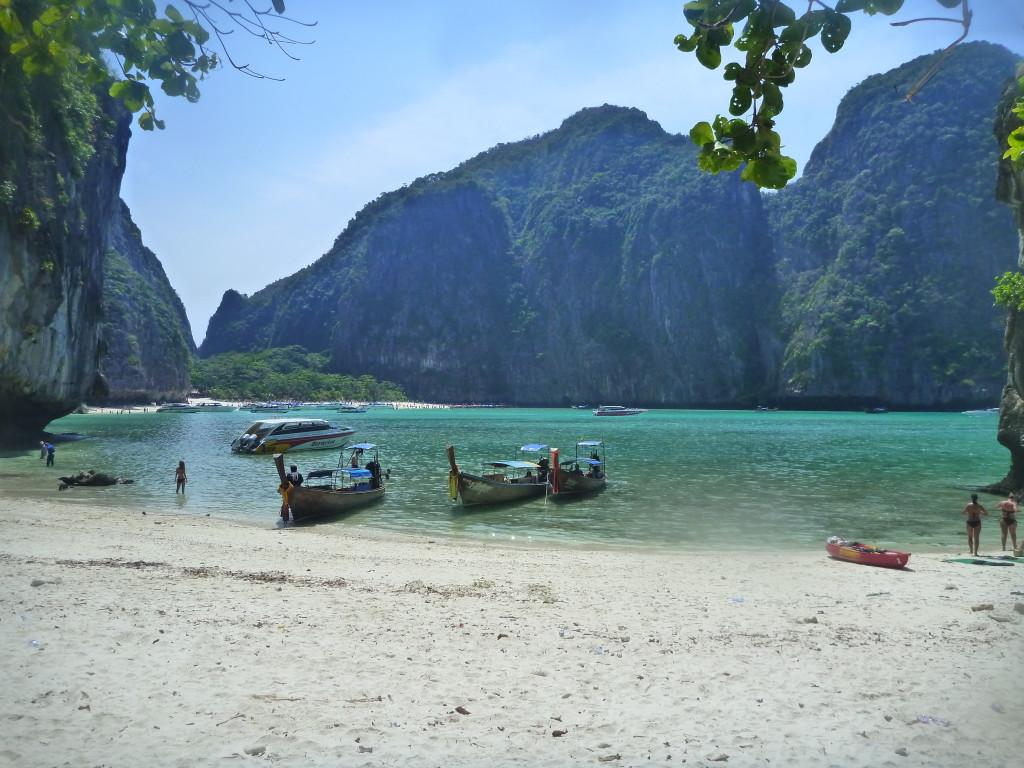 pohled na pláž maya bay