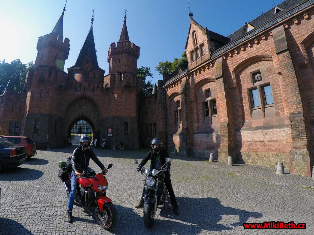 červeny zámek